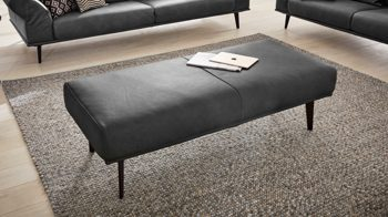 Polsterhocker Interliving aus Leder in Grau Interliving Sofa Serie 4003 – Hocker anthrazitfarbenes LongLife-Leder Z35-95 & schwarze Füße – ca. 140 x 60 cm